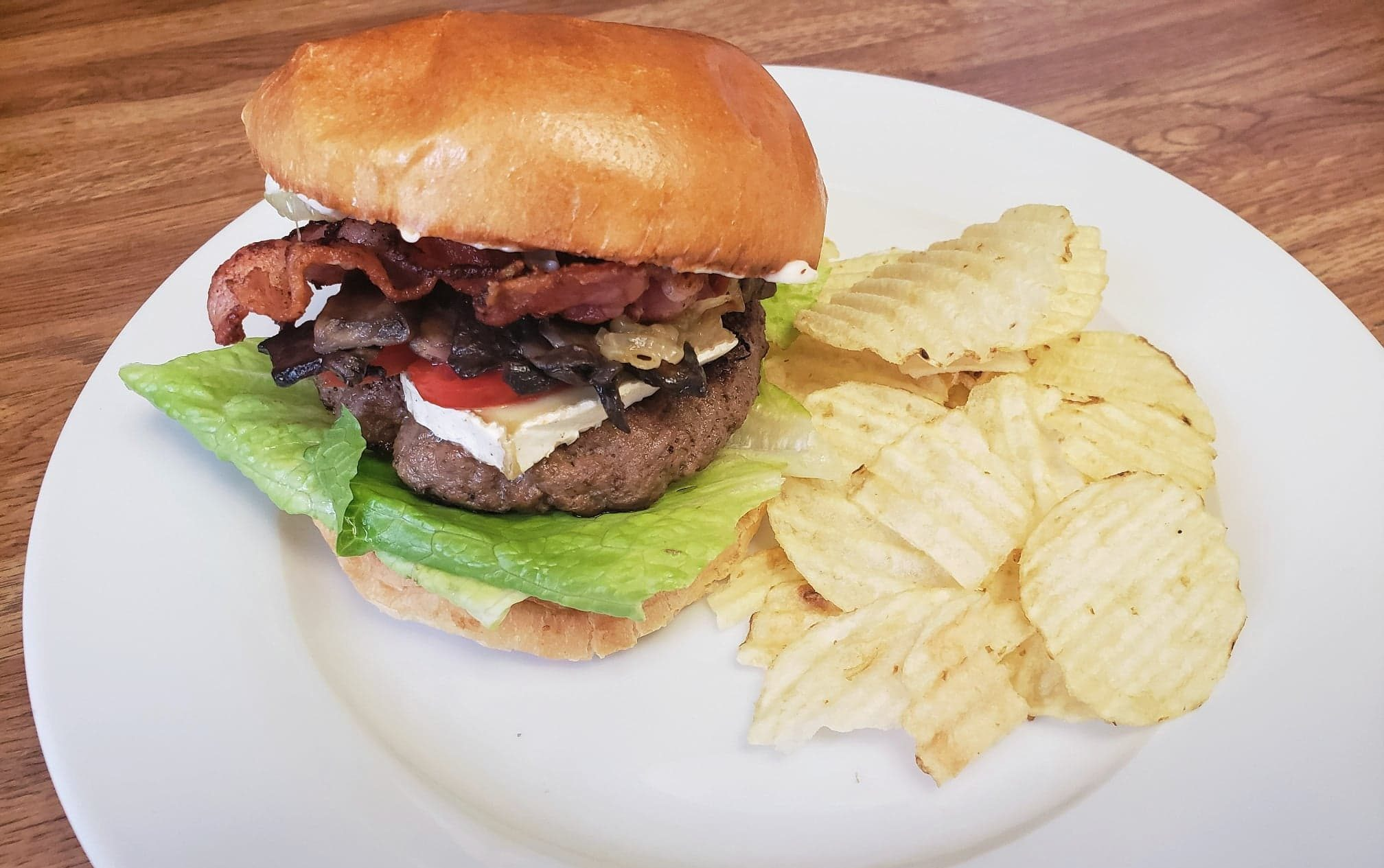 Bacon Brie Caramelized Onion and Mushroom Burger ...